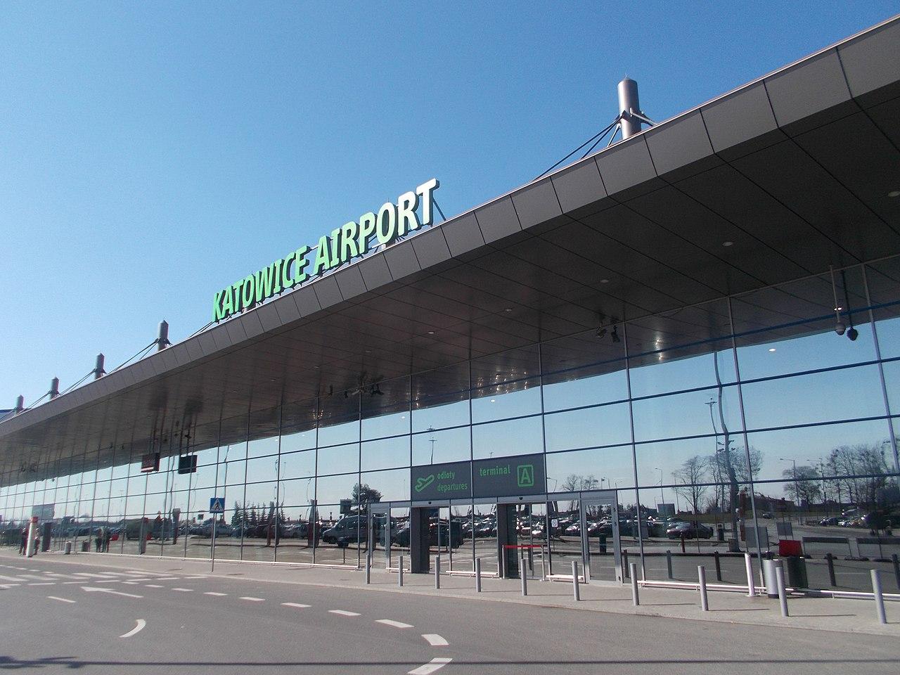Międzynarodowy Port Lotniczy Katowice w Pyrzowicach im. Wojciecha Korfantego