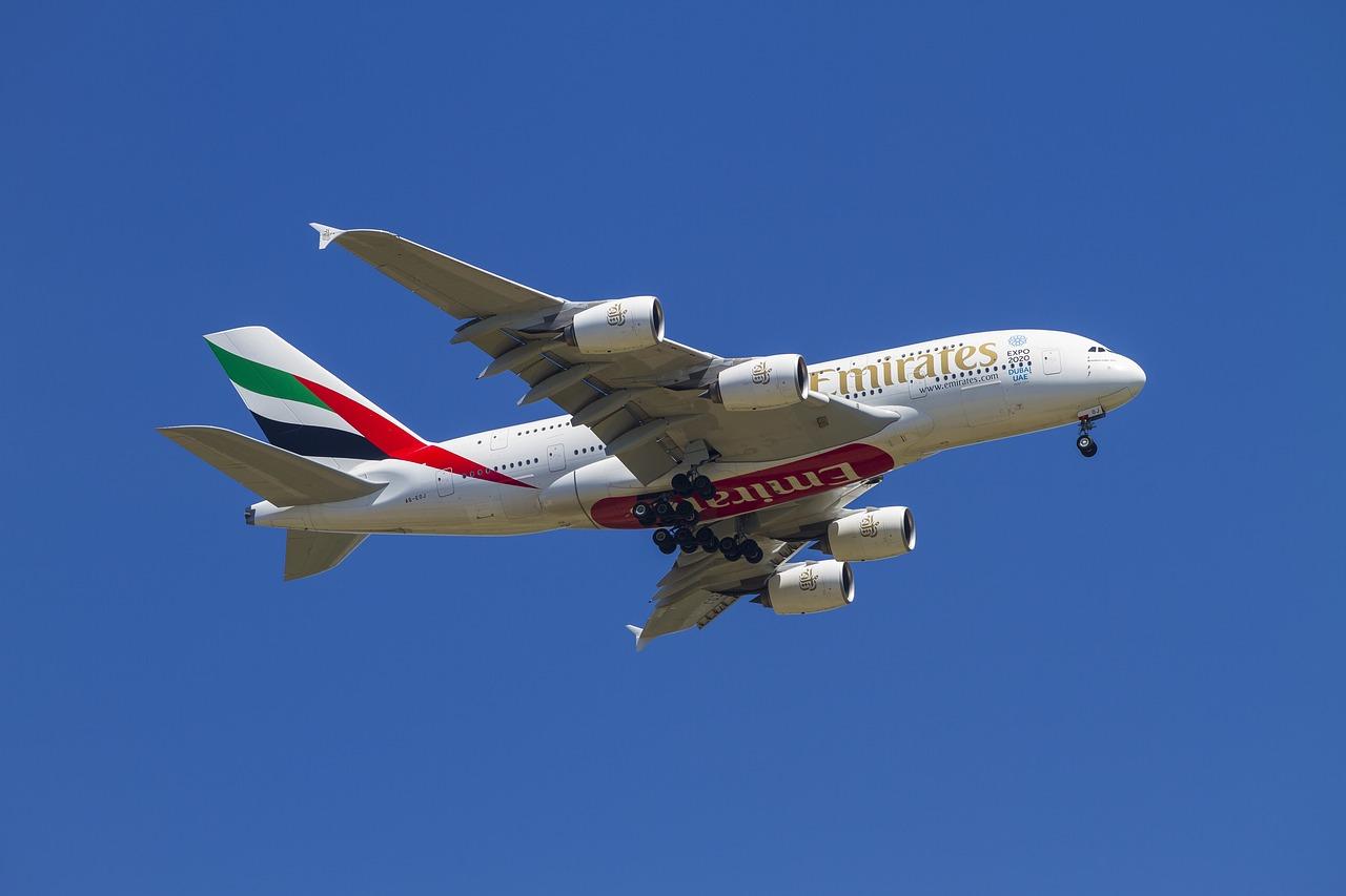 Bagaż podręczny Emirates - wymiary i waga 2020