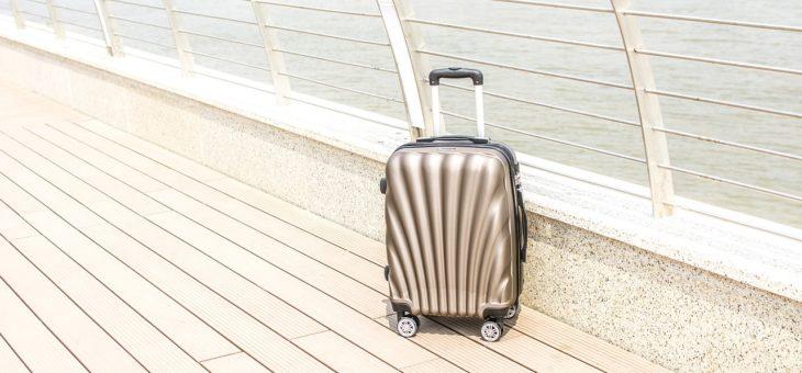 Jak wybrać walizkę kabinową do samolotu?