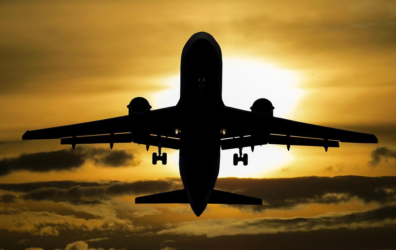 Tanie wakacje samolotem - jak zorganizować samemu wyjazd zagraniczny?