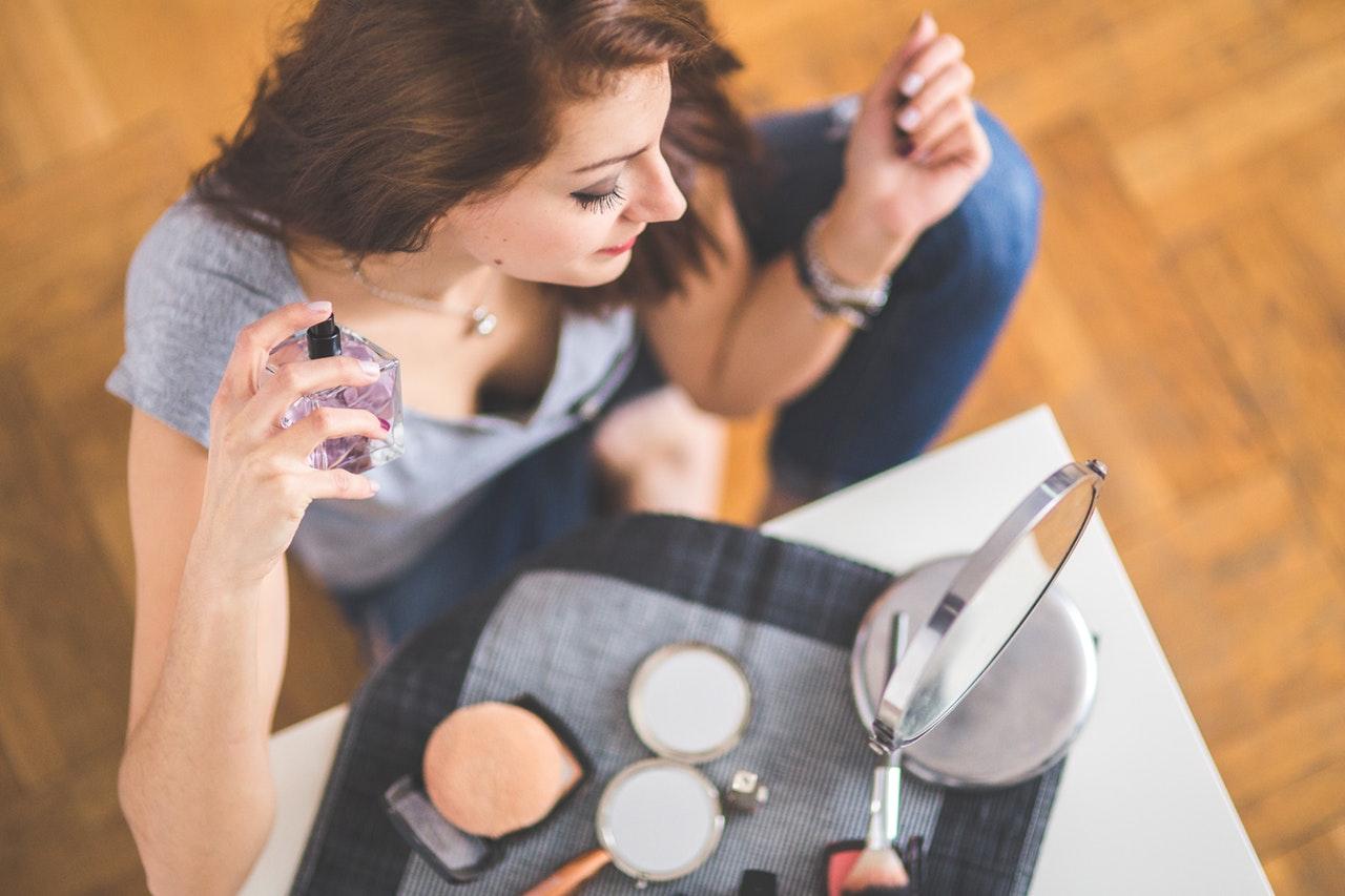 Jak spakować kosmetyki do bagażu podręcznego?