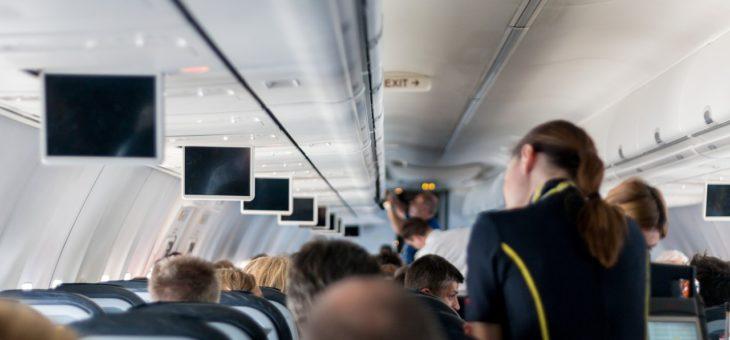 Odprawa na lotnisku – co należy zrobić przed wejściem na pokład?