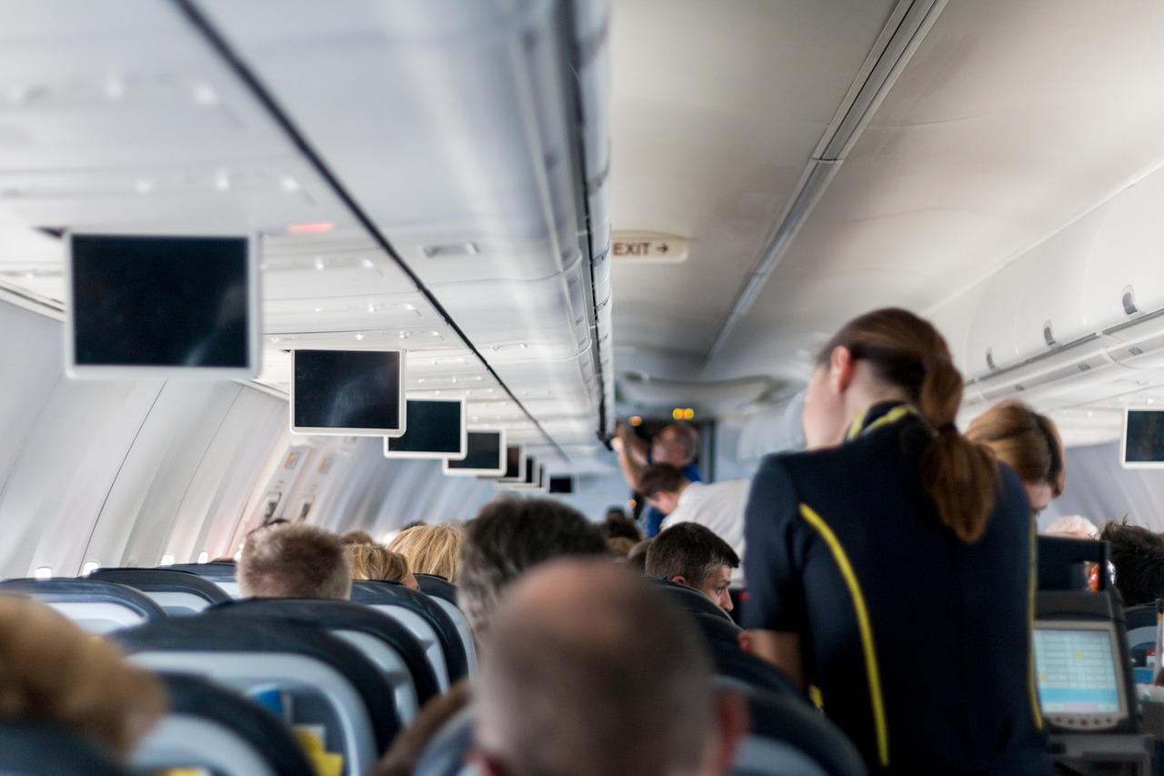 Odprawa na lotnisku - co należy zrobić przed wejściem na pokład?