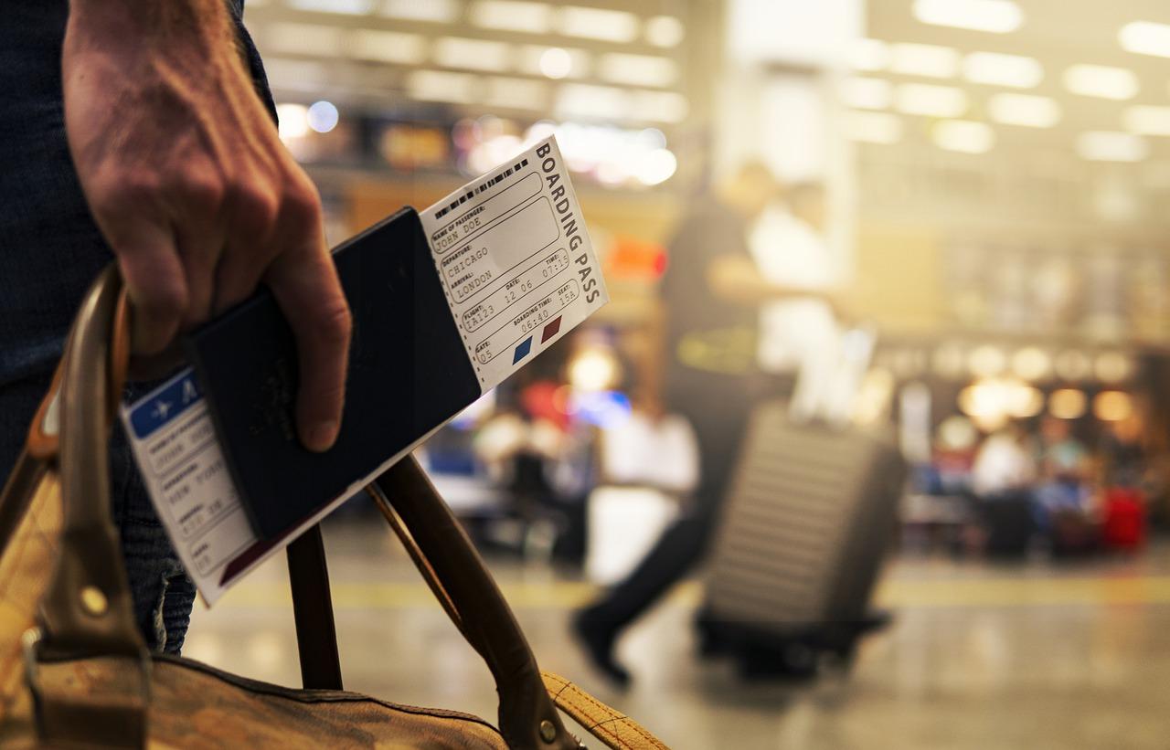 Loty podczas pandemii - dokumenty i Karta Lokalizacji Pasażera
