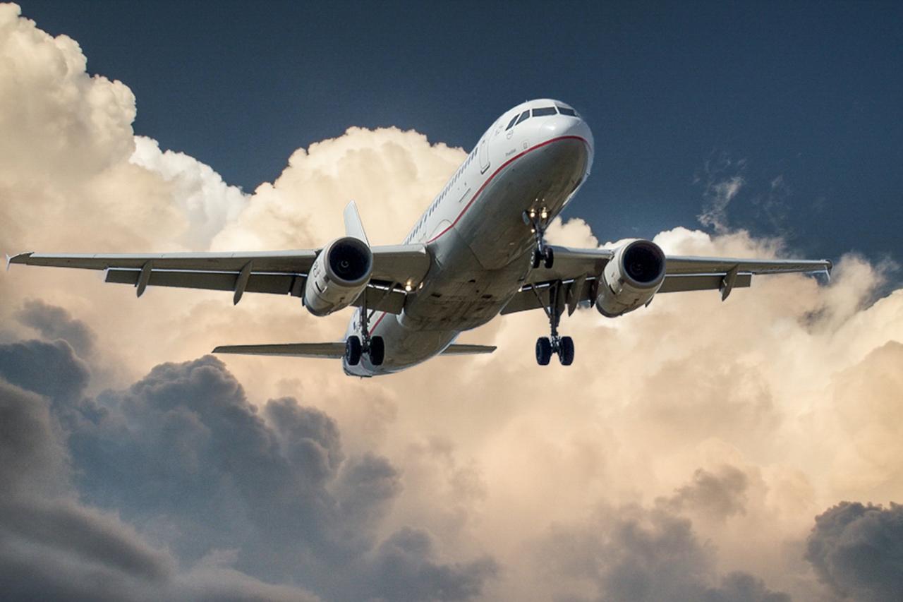 Czy wolno przewozić własne picie w samolocie?