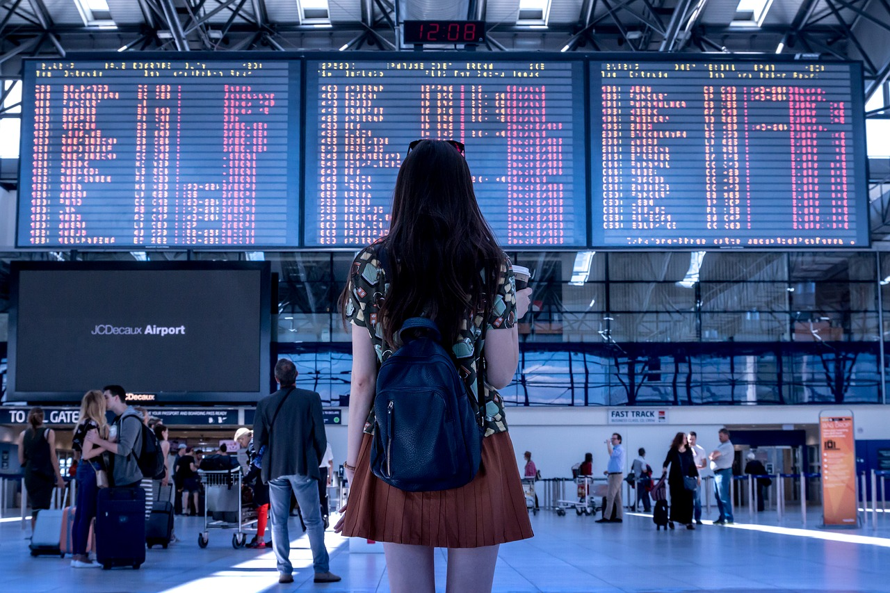 Procedury przed wejściem na pokład - odprawa na lotnisku
